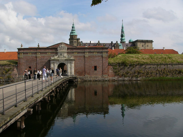 4 «Замок Эльсинора» Гамлета в Дании «Замок Эльсинора» Гамлета в Дании 48