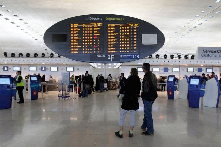 Flughafen / Charles-de-Gaulle / Paris