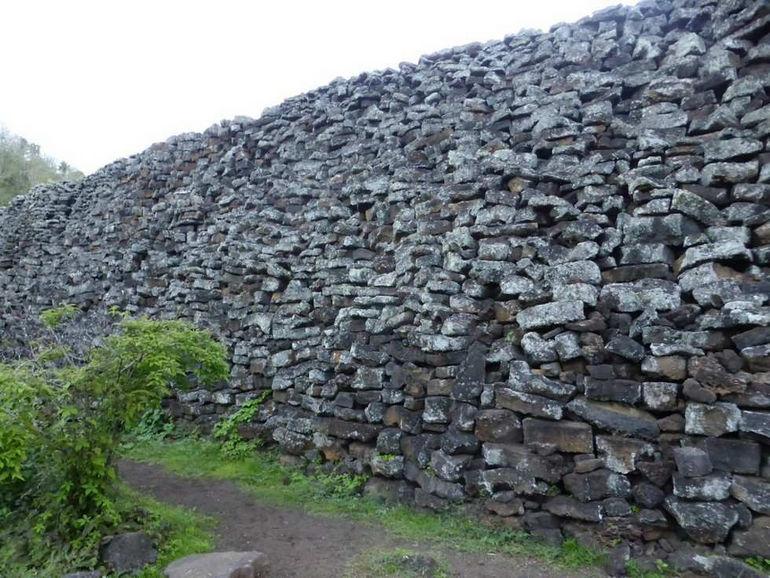 Стена слез на острове Изабеллы (Эквадор)