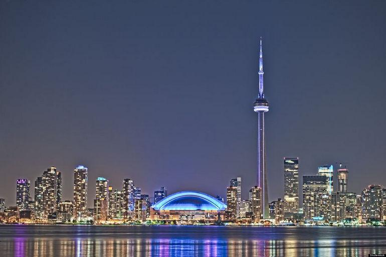 CN Tower: современное чудо света (Канада)