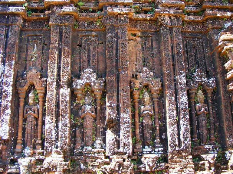 Индуистский храмовый комплекс Мишон (Вьетнам)