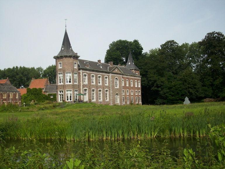 Замок Ниувенховен (Бельгия)