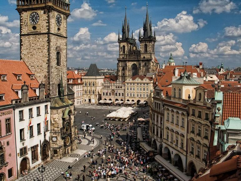 Староместская площадь: уголок истории в центре Праги (Чехия)