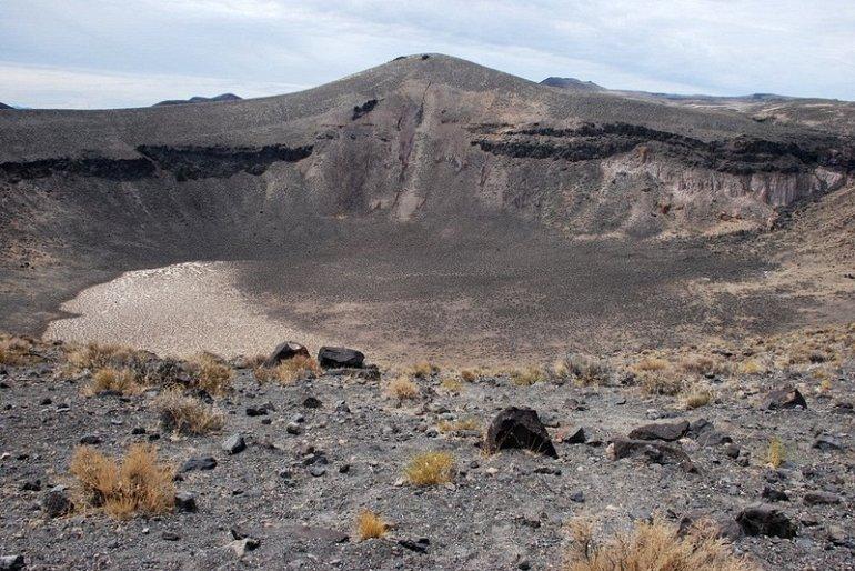 Национальный парк Лунные кратеры (США)