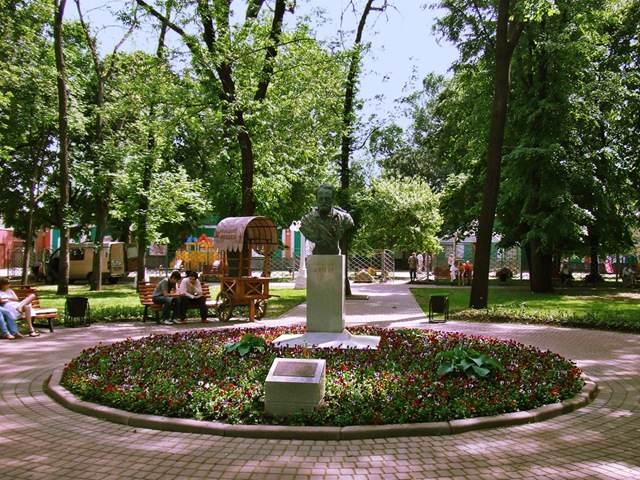 Сад Эрмитаж в Москве (Россия)