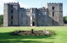 Замок Чилингхэм (Великобритания)