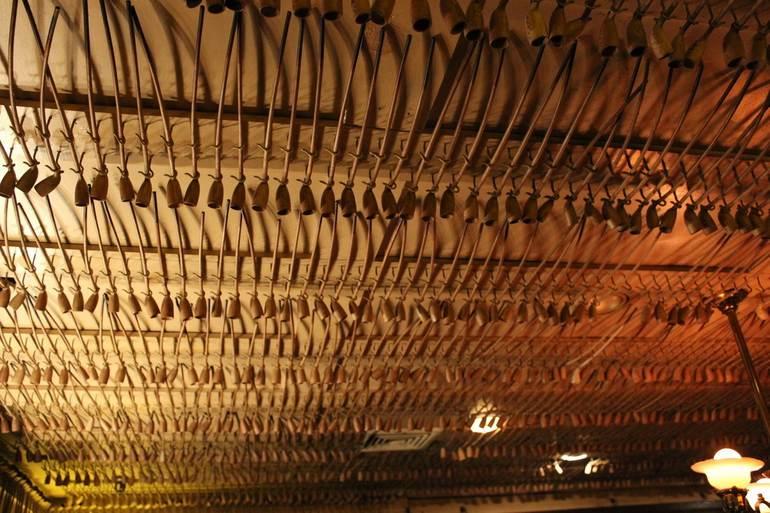 Keen's Steakhouse и 90 тысяч курительных трубок (США)