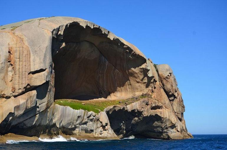остров в австралии фото пещера этому событию
