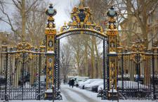 Парк Монсо в Париже (Франция)