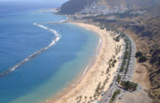 Пляж Плайя де лас Тереситас на Теренифе (Испания)
