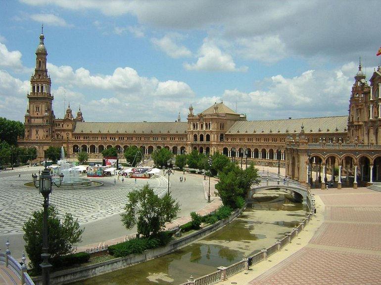 Площадь Испании в Севилье (Испания)