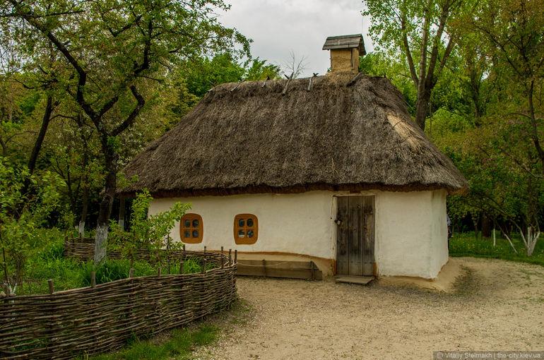Музей народной архитектуры и быта Украины в селе Пирогов (Украина)