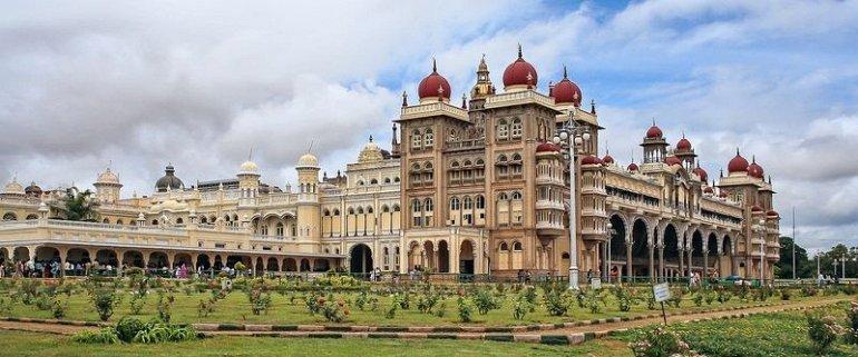 Майсурский дворец (Индия)