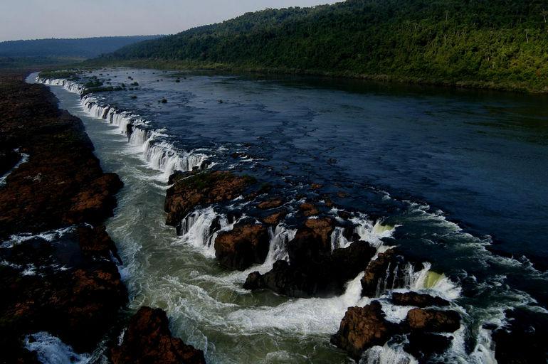 """Мокона: единственный в мире """"параллельный"""" водопад (Аргентина)"""