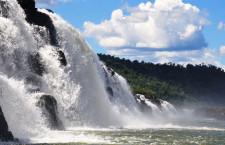 Мокона: единственный в мире параллельный водопад (Аргентина)
