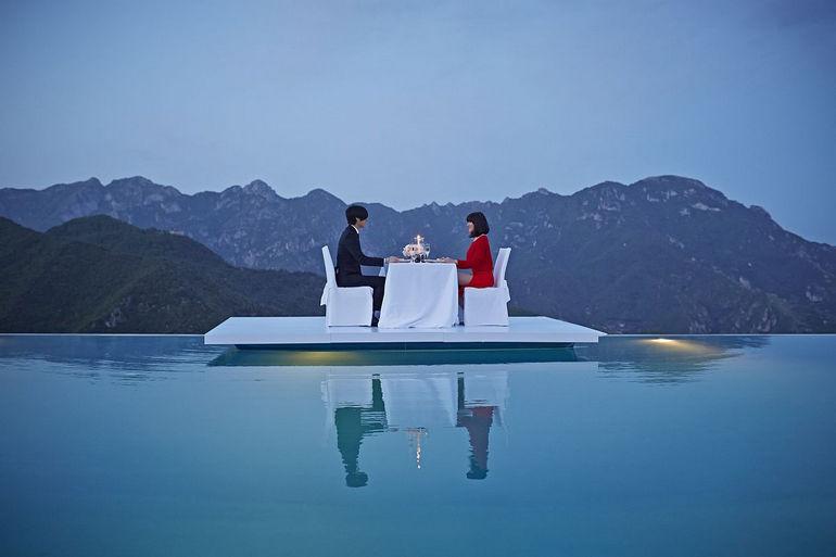 Отель Belmond Hotel Caruso и его бассейн (Италия)