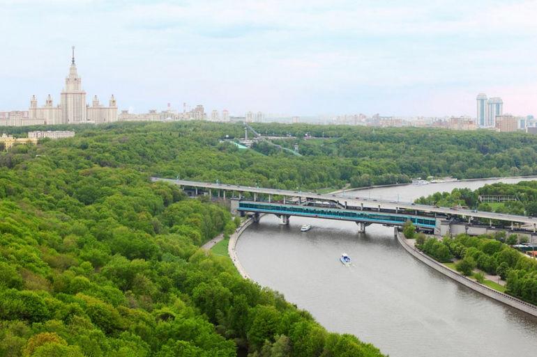Воробьёвы горы в Москве (Россия)