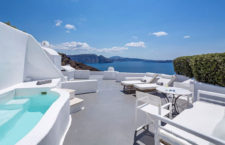 Отель Canavеs Oia Hotel: уютное место Санторини (Греция)