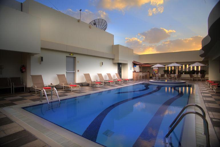 Отель Al Maha Arjaan: один из лучших в Абу-Даби (ОАЭ)