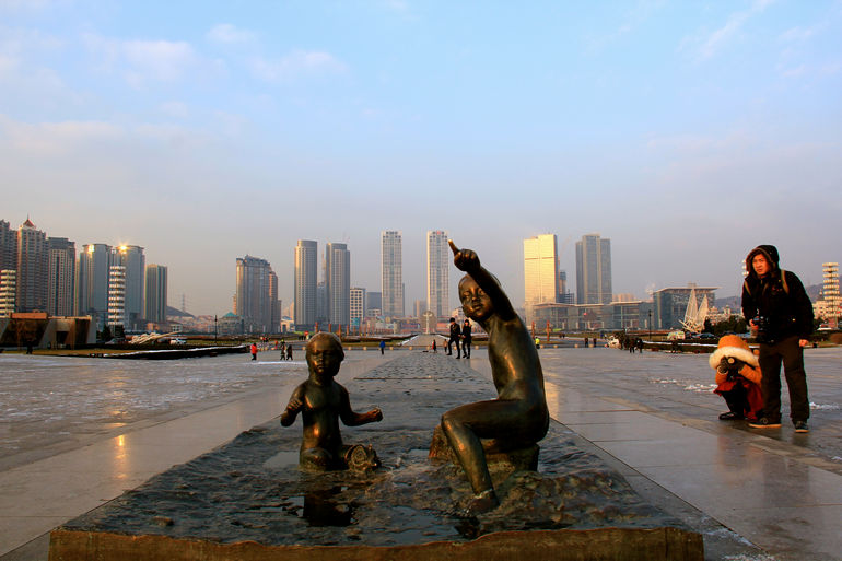 Площадь Синхай в Даляне (Китай)