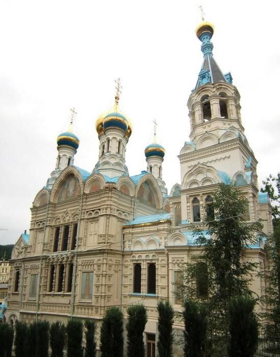 Центр православия в Карловых Варах: Петропавловская церковь