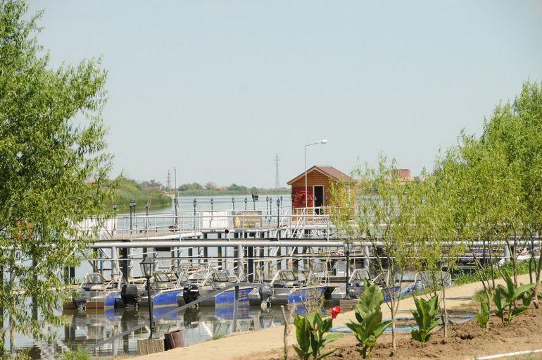База «Семь островов»: отдых с рыбалкой в Астрахани