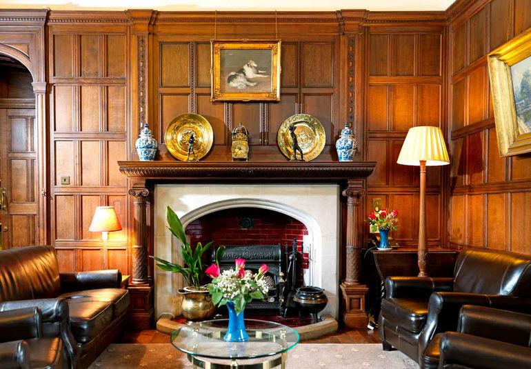 Бетонный особняк Gregynog Hall (Великобритания)