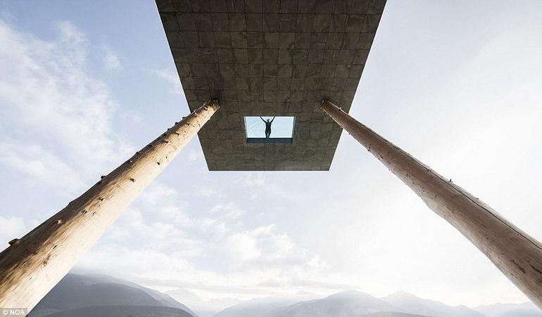Необычный бассейн в отеле Hotel Hubertus (Италия)
