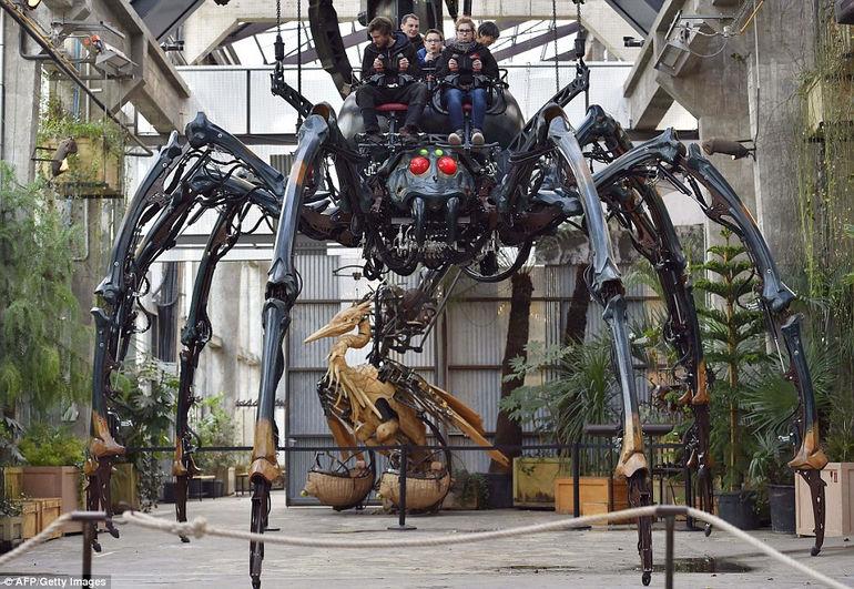 Монстры парка Les Machines de lile в Нанте (Франция)