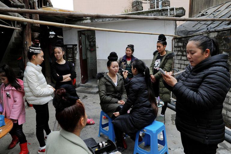 Кровавая свадебная церемония кражи курицы (Китай)