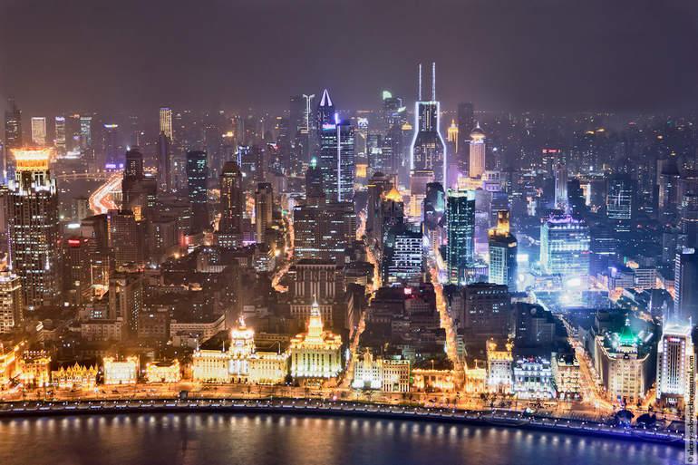 Набережная Вайтань (Бунд) в Шанхае (Китай)
