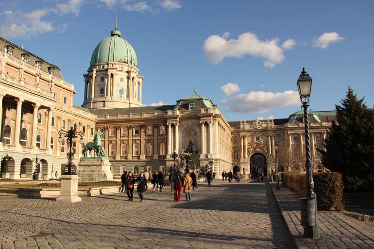 Королевский дворец в Будапеште (Венгрия)