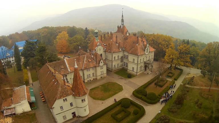 Дворец графа Шенборна   изюминка в сердце Украинских Карпат