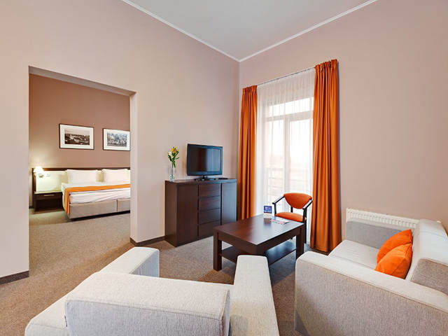Ramada Lviv – отель, ресторан, конференц зал во Львове