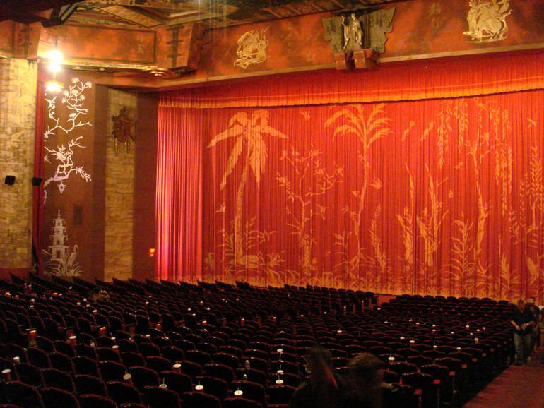 Кинотеатры Голливуда: Китайский театр Граумана в Лос Анджелесе (США)