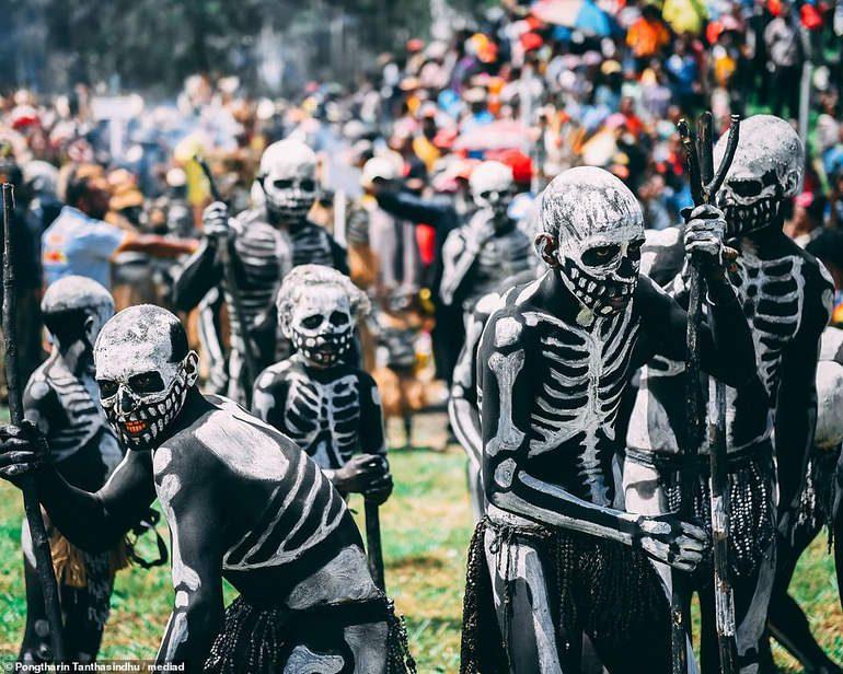 Танцы с мертвыми: боевая раскраска «скелетного» племени Чимбу