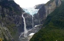 Глейсер-водопад Ventisquero Colgante (Чили)