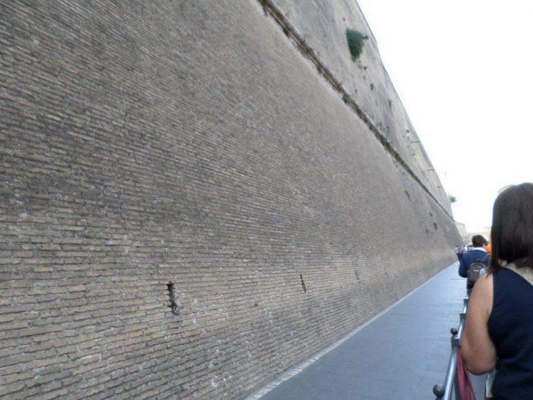 Городские стены Ватикана (Италия)