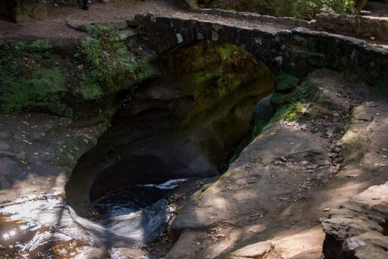 Государственный парк Пещеры Хокинг Хиллз (США)