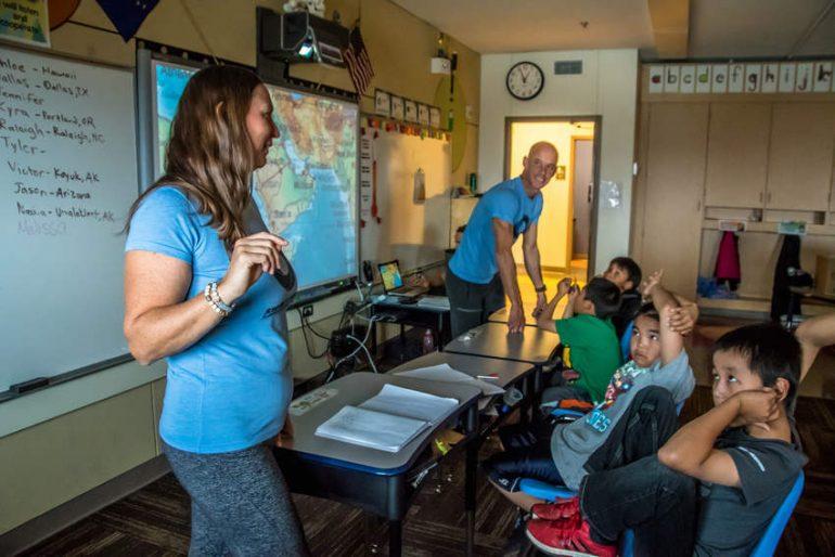 Школа на острове Малой Диомиды (Крузенштерна) на Аляске (США)