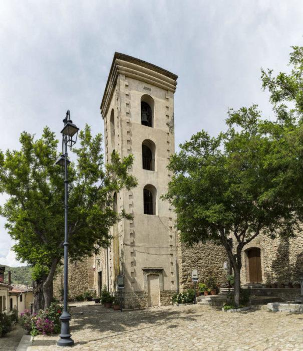 Проклятый город Колобраро (Италия)