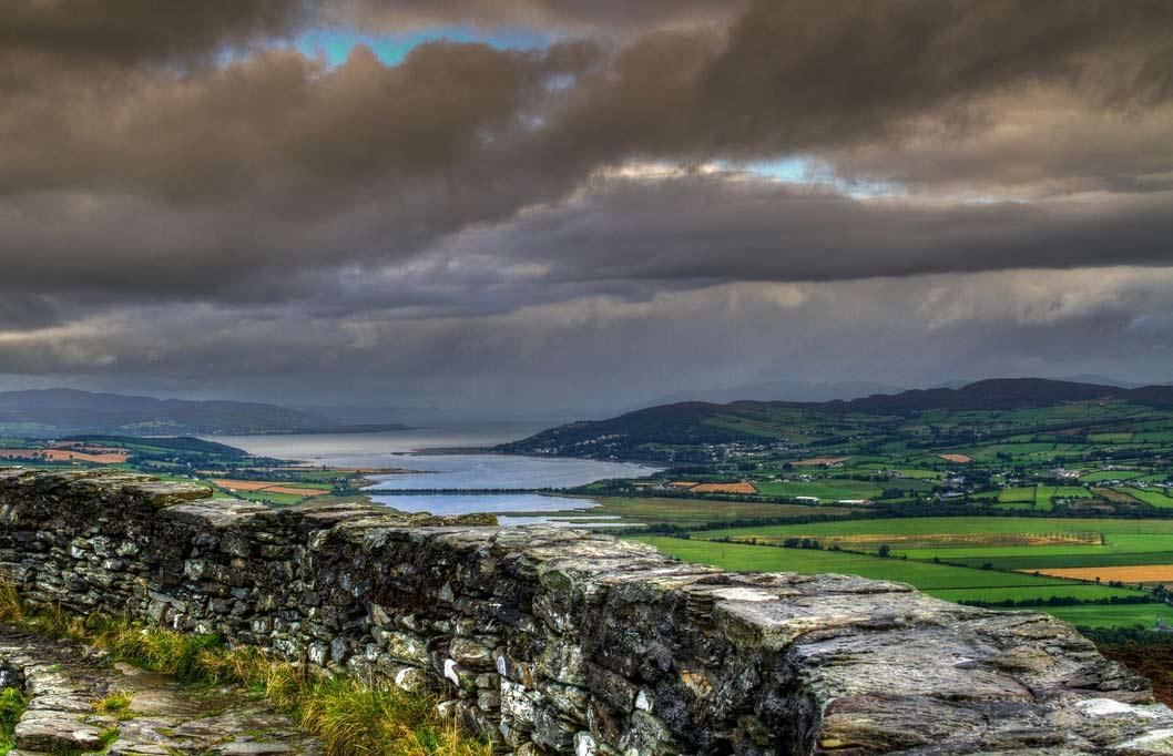 Grianan of Aileach - кольцевая крепость на холме в графстве Донегол