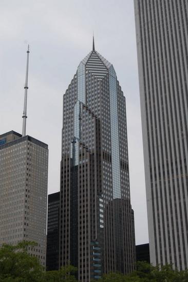16-Two Prudential Plaza1 usa-info.com.ua