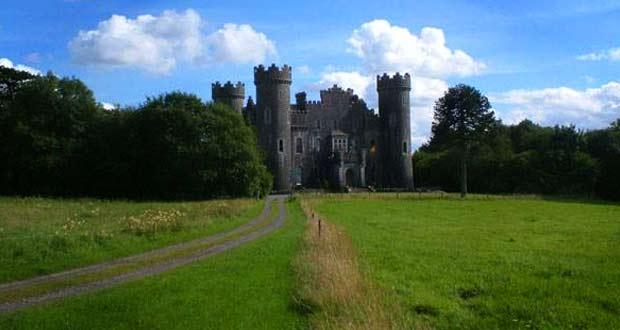 Clonyn Castle... Загадочный замок в Делвине..