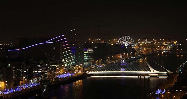 Ночное небо столицы Ирландии
