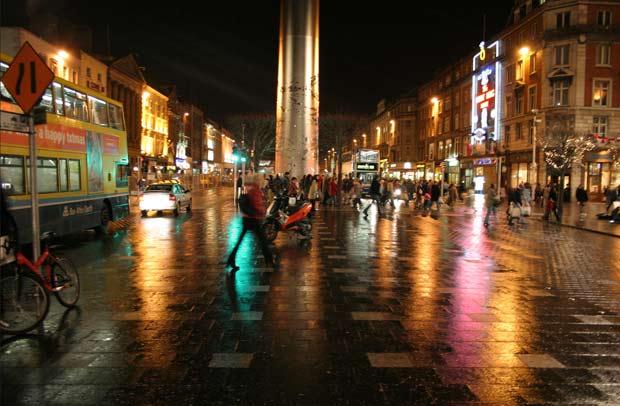 О'Коннелл-стрит в ночном Дублине