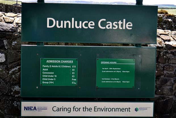 Замок открыт для туристов ежедневно.