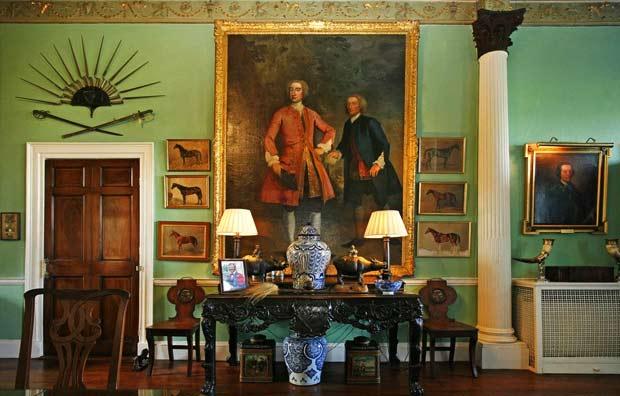 Британский актер Доминик Уэст (Dominic West) продает 700-летний замок.