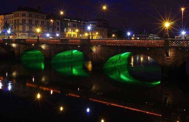 Grattan Bridge в Дублине