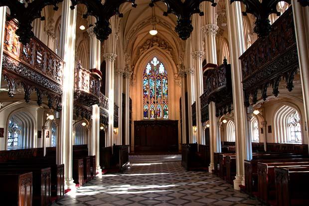 Внутри часовни замка в Дублине